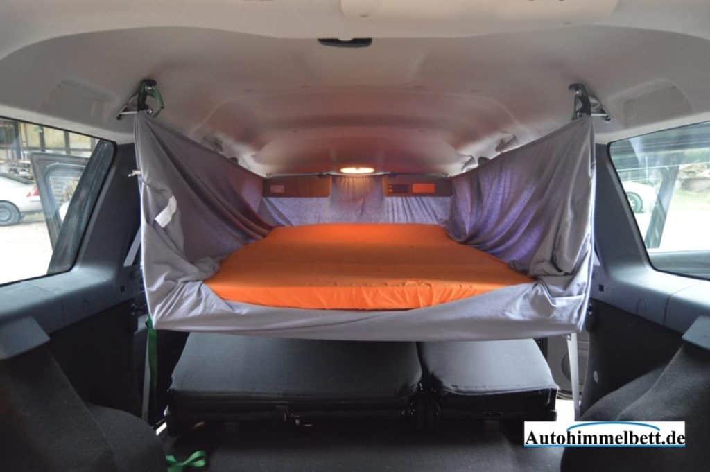 Übernachtung im Autohimmelbett