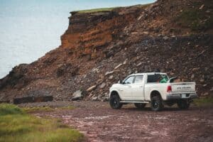 Schlafen im Pickup-Truck Dodge RAM