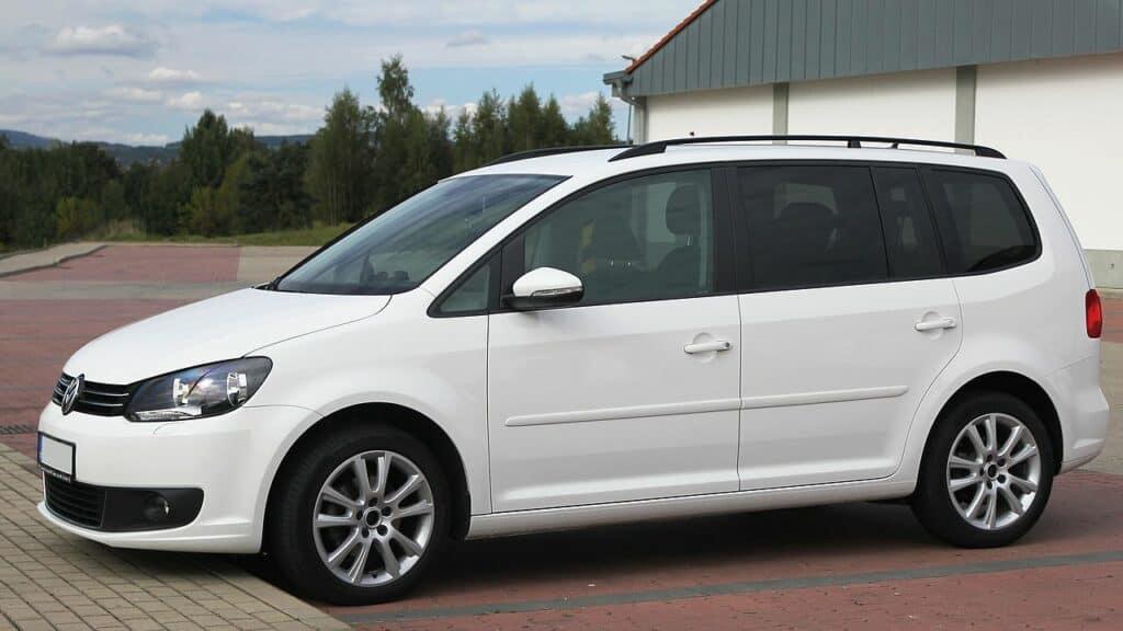 Schlafen im VW Touran Mini-Van