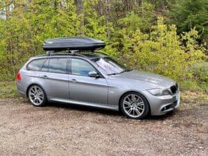 Camping im BMW 3er Touring E91 mit Thule Dachbox und BMW Dachträgern